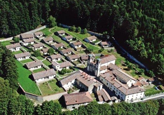 Camaldoli Heritage : The white monks inside the snail