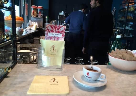 Neapolitan coffee : The home made creamy espresso trick