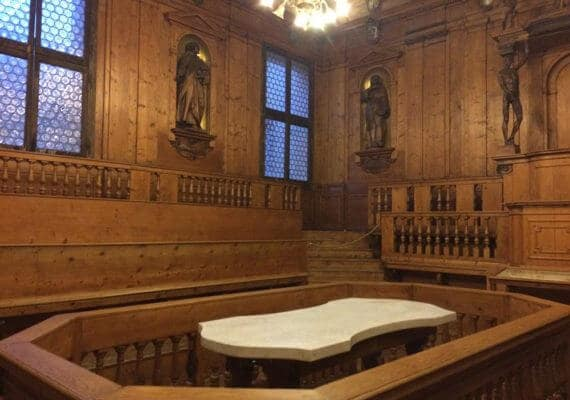 The Anatomical Theater : Bologna's Archinnasio Palace