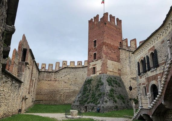 The Soave Castle : A Medieval Fortressed Dwelling